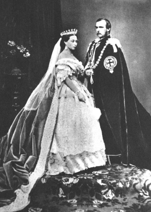 Vestidos-de-Noiva-Rainha-Victoria1