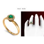 Esta joia com design clássico com diamantes enaltecendo a elegância da esmeralda, é ideal para noivas modernas e autênticas. https://www.casasaopaulojoias.com.br/busca/esmeralda